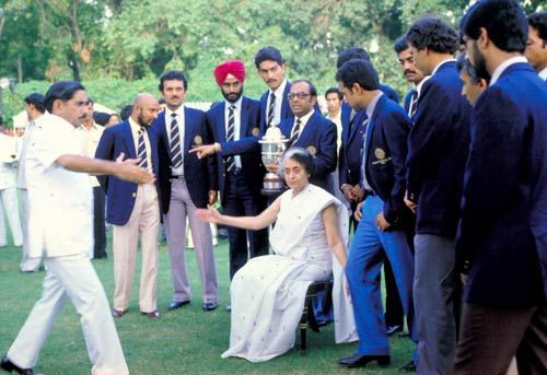Indira Gandhi with Indian Cricket team