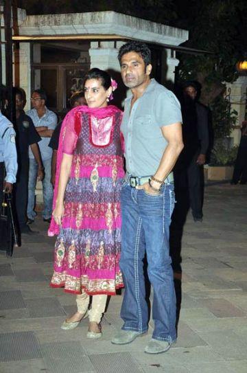 Sunil Shetty with wife Manna