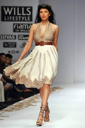 Designers Rina Dhaka creation