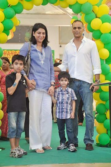 Priya Dutt with husband Owen Roncon and kids Siddharth and Sumair.