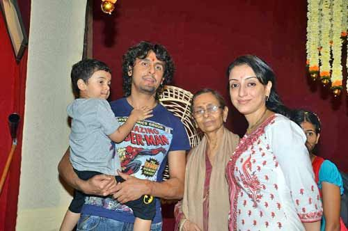 Sonu Nigam with family