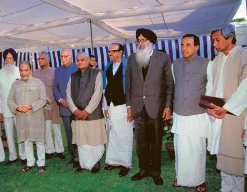 Subramaniam Swamy with Vajpayee and other senior party leaders