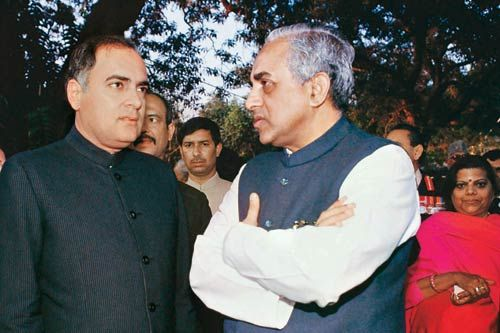 Subramaniam Swamy with Rajiv Gandhi