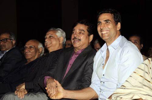 Shatrughan Sinha and Akshay Kumar