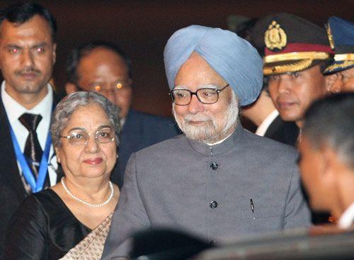 Manmohan Singh with wife Gursharan Kaur