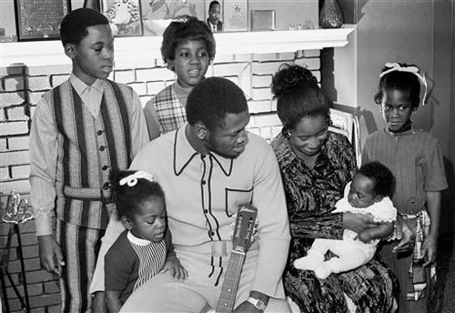 Joe Frazier with family