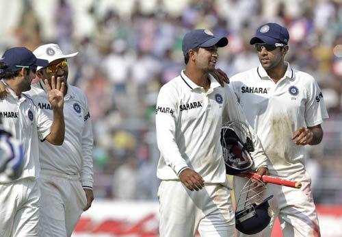 Pragyan Ojha (second right), Ravichandran Aswin (right) Gautam Gambhir and Virender Sehwag
