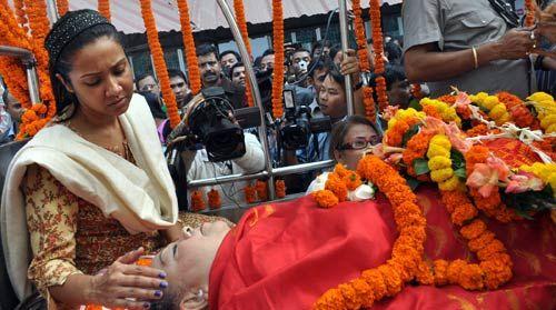 Indira Goswami's last rites