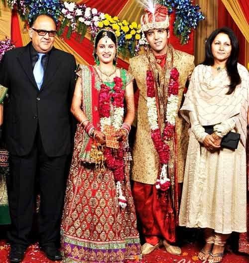 Alok Nath and his wife at Kinshuk Mahajan wedding's