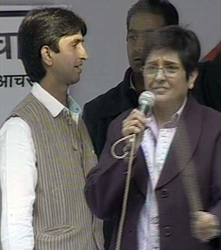 Anna Hazare at Rajghat (Left); Kiran Bedi at Jantar Mantar