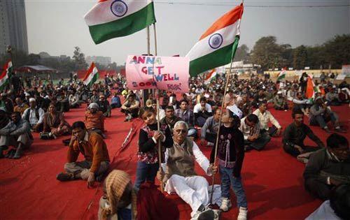 Anna's support at Ramlila Maidan