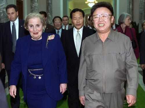 Kim Jong Il with former U.S. Secretary of State Madeleine Albright in Pyongyang