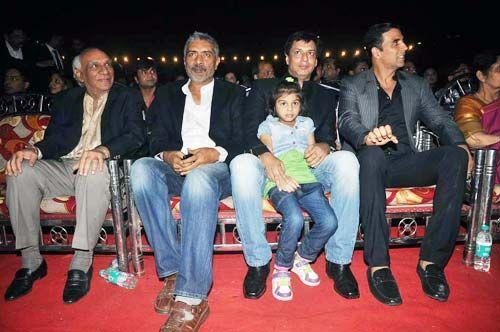 Yash Chopra, Prakash Jha, Madhur Bhandarkar and Akshay Kumar