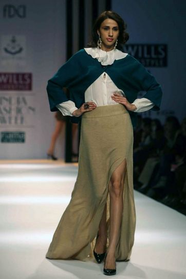 Irfan Khan walks for Meera Ali @ WIFW