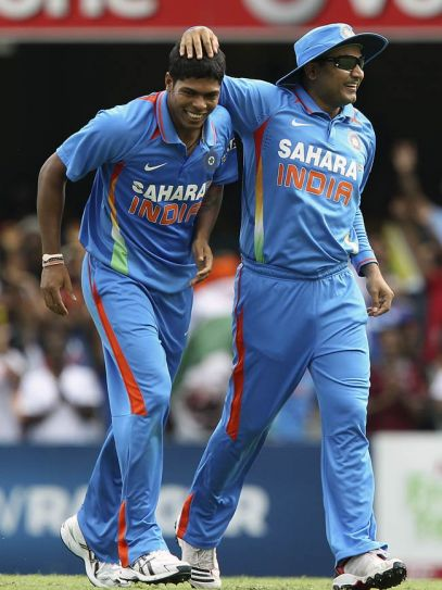 Umesh Yadav (left) and captain Virender Sehwag