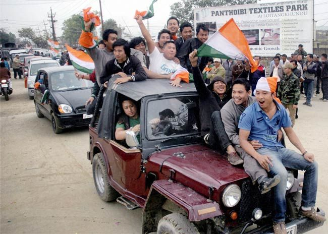 Congress supporters celebrate party's win