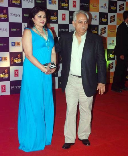 Ramesh Sippy with wife