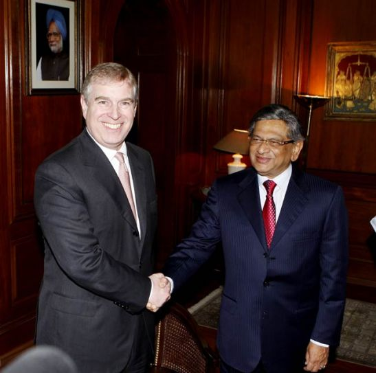 Prince Andrew (left) with SM Krishna (right)