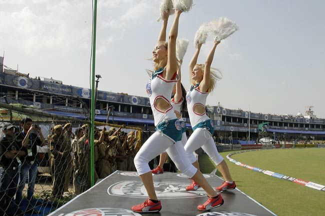 Deccan Chargers' cheergirls