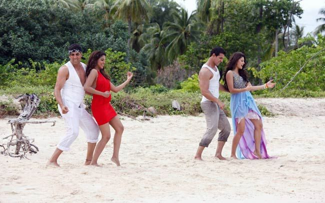 Still from Housefull2