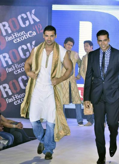 Housefull2 stars on the ramp | IndiaToday