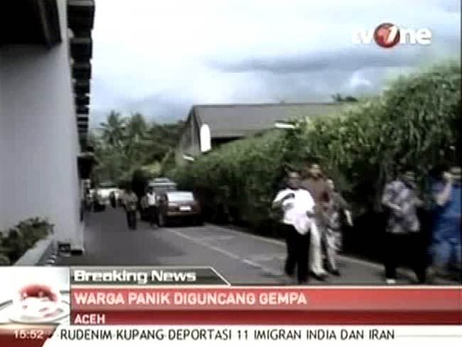 Earthquake in Indonesia, India