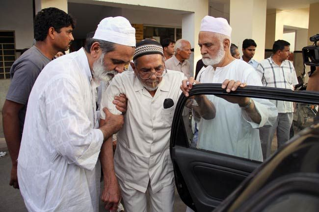 Khalil Chishti steps out of Ajmer jail