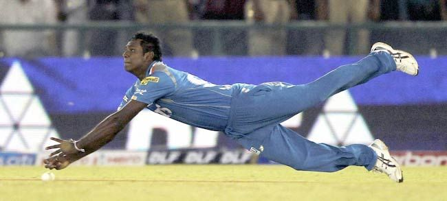 Pune Warriors' Angelo Mathews