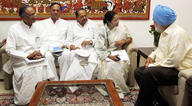 Mamata Banerjee and Montek Singh Ahluwalia