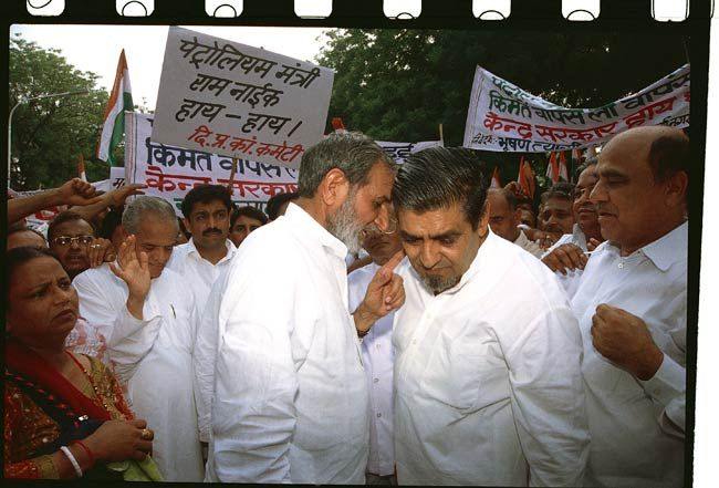 Sajjan Singh with Jagdish Tytler