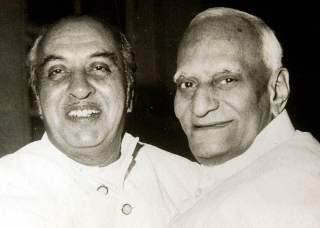 Dr VV Giri (right)