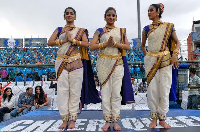 Pune Warriors' cheergirls