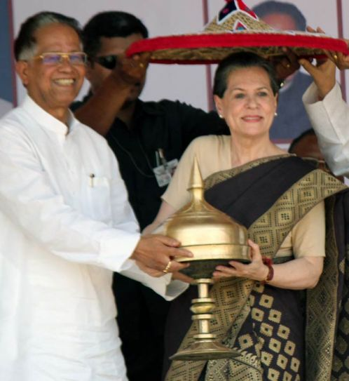 UPA Chairperson Sonia Gandhi with Assam Chief Minister Tarun Gogoi