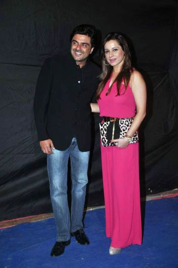 Sameer Soni with wife