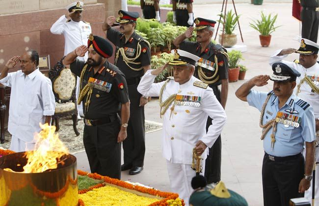 Defence Minister A.K Antony and three service chiefs pay homage to Kargil martyrs.