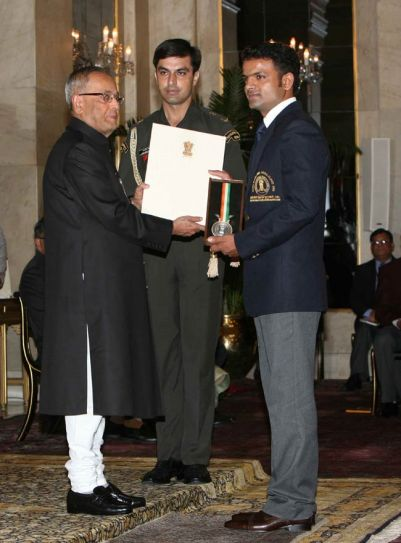 Pranab Mukherjee (left) and Vijay Kumar