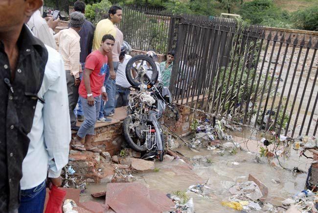 Motorbike in drain in Jaipur