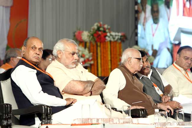 (From left) Prem Kumar Dhumal, Narendra Modi, LK Advani, Nitin Gadkari and Arun Jaitley