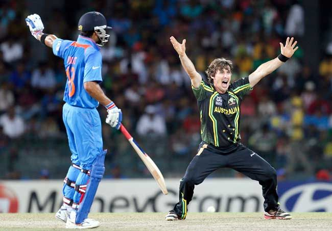 Brad Hogg (right) and Irfan Pathan