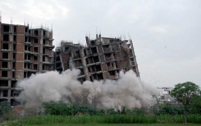 JDA demolishes a multi-storey building