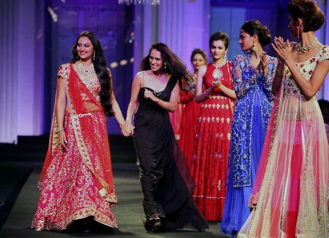 Sonakshi Sinha with designer Jyotsna Tiwari on Day 2 of India Bridal Week 2012