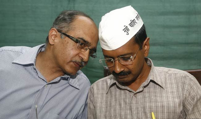 Prashant Bhushan, Arvind Kejriwal (left), IAC press conference, Delhi