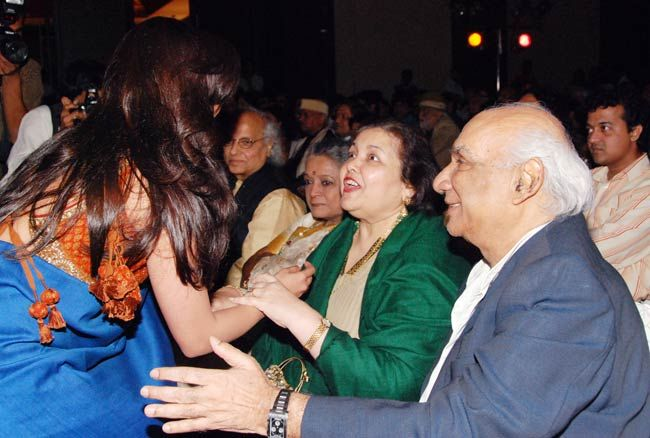 Yash Chopra (right)