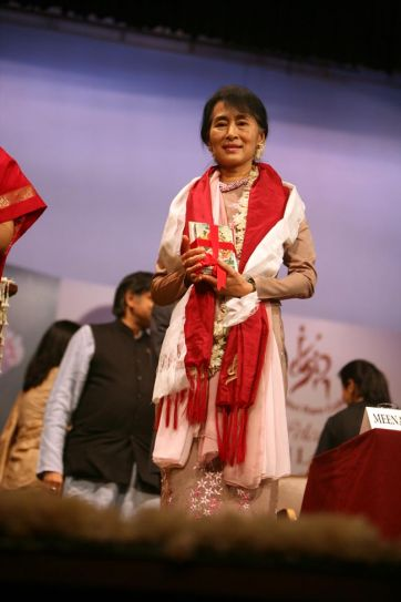 Aung San Suu Kyi at Lady Shri Ram College