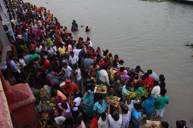 4-day Chhath Puja celebrations end with pray to the Sun God