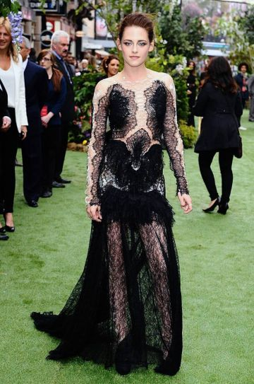 Kristen Stewart went for a bold look in grass-green carpet of the Snow White & the Huntsman premiere at The Empire Cinema Leicester Square.