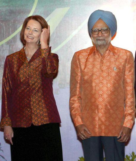 Prime Minister Manmohan Singh with Australian PM Julia Gillard