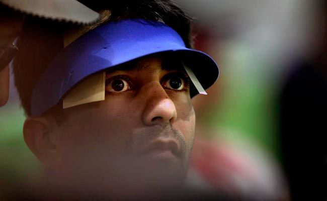 Abhinav Bindra fails to qualify for the final round.