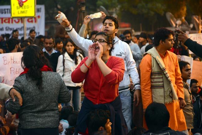 Delhiites mourn the death of gangrape victim