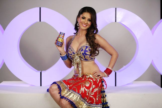 Sunny Leone Shoots For Xxx Drink  Indiatoday-1709